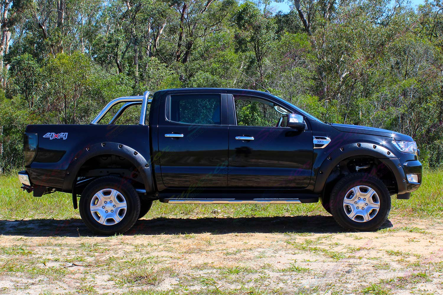 Ford Ranger PX Dual Cab Black - Side View