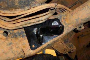 Closeup view of the Superior swaybar extension mounts on the SWB GQ Nissan Patrol