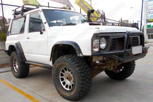 """Front right side view of a GQ Nissan Patrol Shorty fitted with a 3"""" inch Superior Custom built lift kit"""