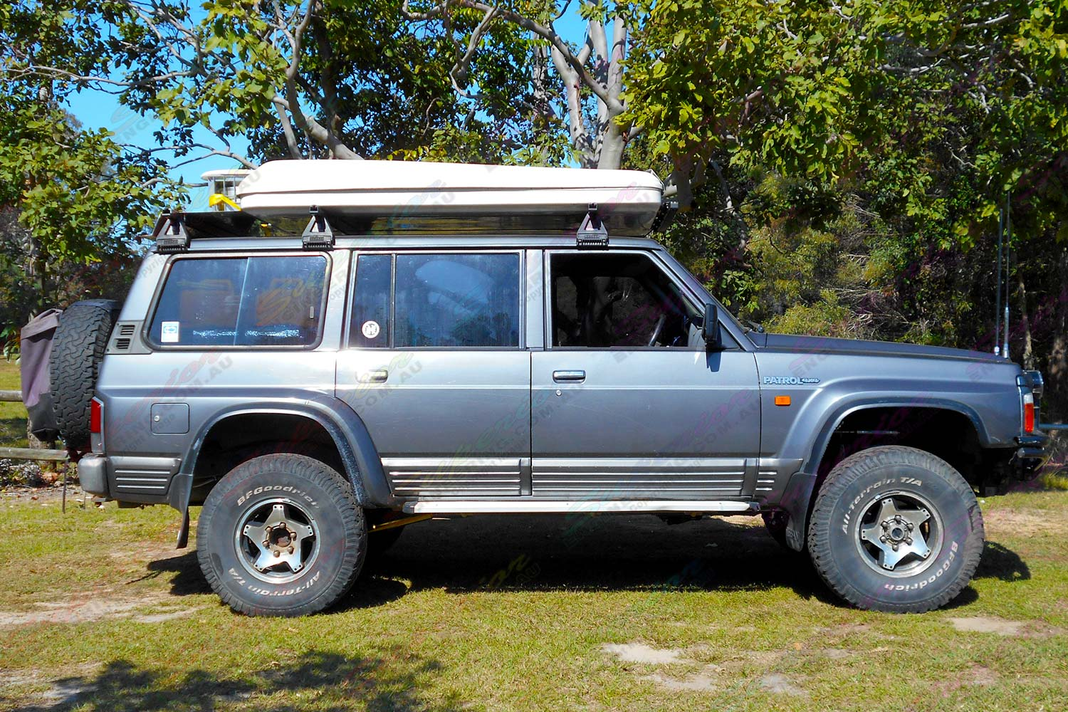 """Right side view of a GQ Nissan Patrol Wagon fitted with a 3"""" inch AmadaXtreme Explorer 11 Superflex lift kit"""