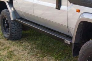 Top closeup view of the right hand side Stealth Rock Slider fitted to the 79 Series Toyota Landcruiser 4WD