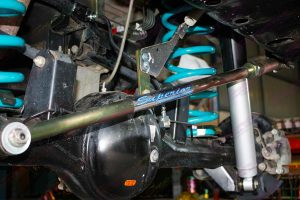 Closeup view of the adjustable Superior Panhard Rod fitted to a single cab GU Nissan Patrol