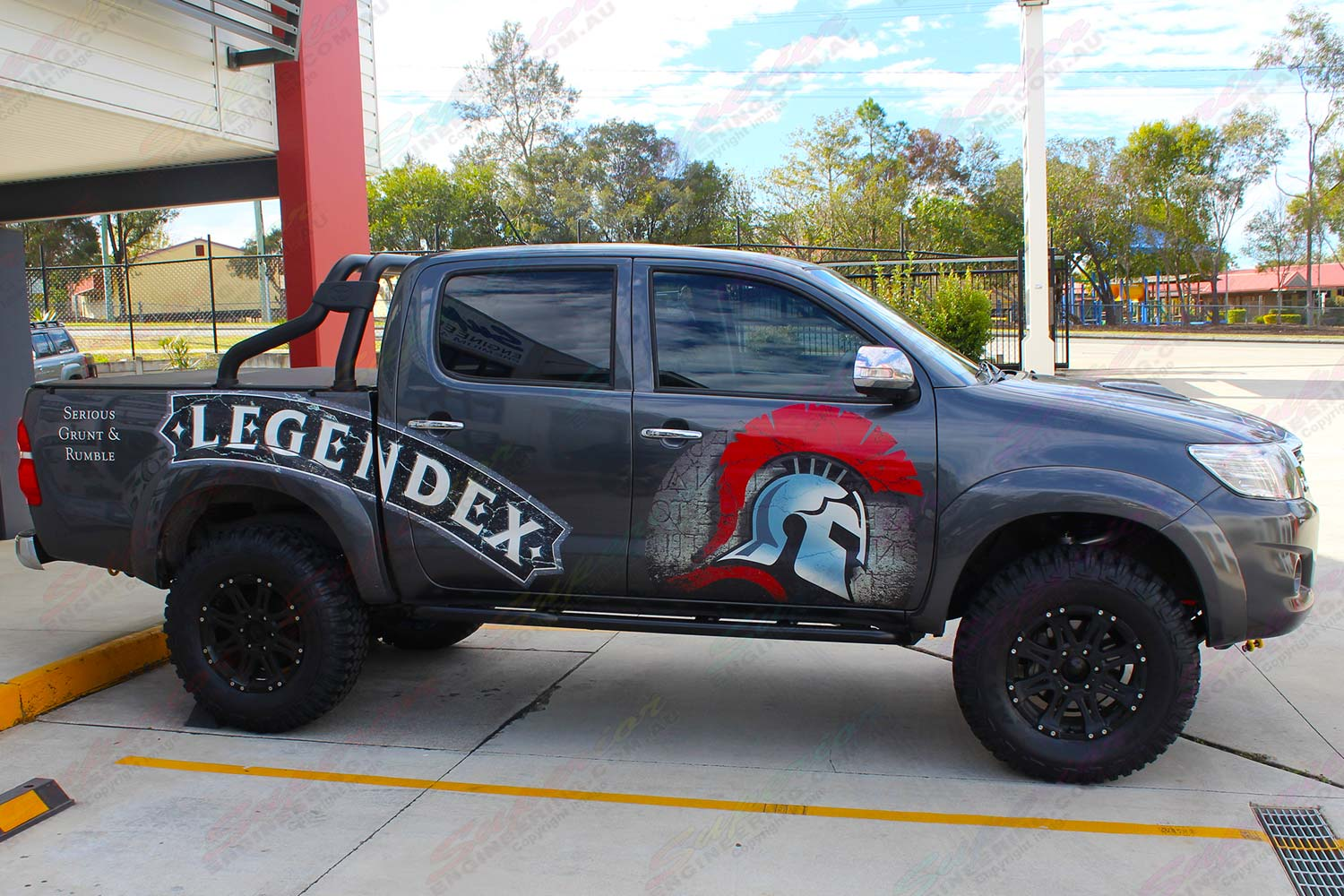 Right side view of the Legendex dual cab Toyota Hilux (Vigo) fitted with a premium Superior nitro gas lift kit and Maxxis Bighorn tyres