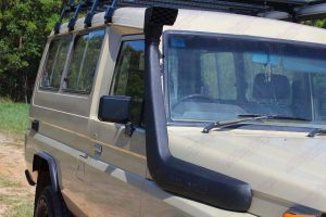 Closeup view of a Safari snorkel fitted to the Toyota Landcruiser Troopy HJ75