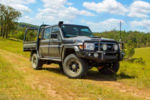 Front right view of the VSC 79 Series Toyota Landcruiser (Dual Cab 2016-2017 Model) at one of the Landcruiser Mountain Park camping areas