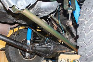 Closeup view of the upper and lower control arms fitted to the rear of the 105 Series Toyota Landcruiser wagon