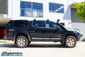 "Right side view of a Dark Blue Holden RG Colorado Dual Cab before fitment of a Superior Nitro Gas 3"" Inch Lift Kit"