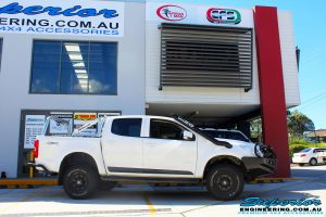 Right side view of a White Holden RG Colorado Dual Cab after fitment of a Tough Dog 40mm Lift Kit