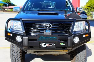 Front facing bonnet view of the fitted Ironman 4x4 Bullbar & VRS Winch