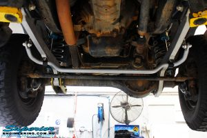 Front mid underbody shot of the fitted Superior Superflex Sway Bar Kit