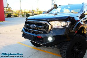 Front left shot of the fitted Rhino 4x4 Evolution 3D Winch Bar