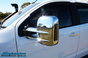 Left front close up shot of the fitted Clearview Towing Mirror