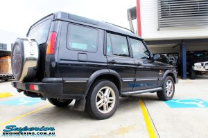 Rear right view of a Black Landrover Discovery 2 before fitment of a Tough Dog 35mm Lift Kit