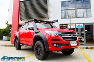 Front right side view of a Holden RG Colorado Dual Cab in Red before fitment of a Colour Coded Rhino 4x4 Evolution 3D Winch Bar with Warn Winch