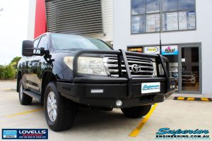 Right front side view of a Toyota 200 Series Landcruiser after fitment of a Lovells GVM Upgrade Suitable For Toyota Landcruiser 200 Diesel 11/07 on 3800kg (OE 3300kg) Post Registration